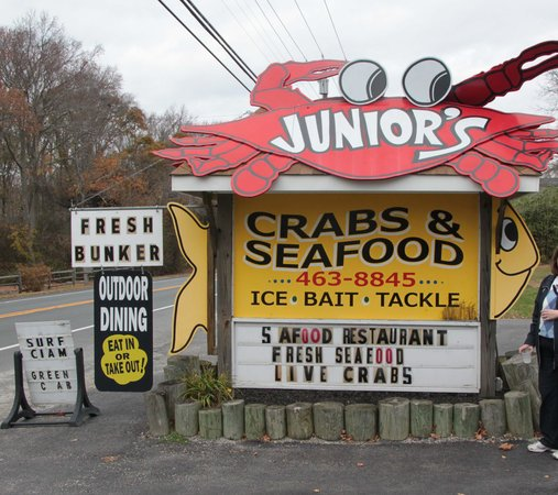 Junior's Crabs and Seafood: Located on the East side of 47N