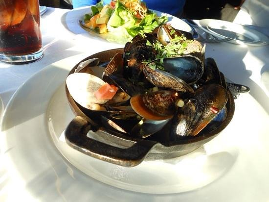 The Lobster : Mussels