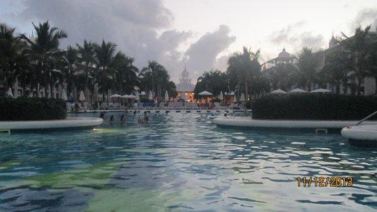 Hotel Riu Palace Punta Cana: bar del teatro