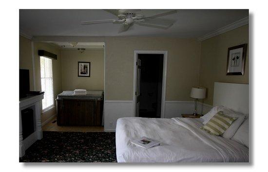 Abbey Inn: Tulip Room