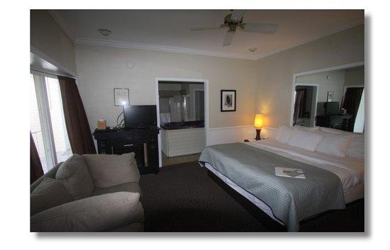 Abbey Inn: Hot Tub Rooms
