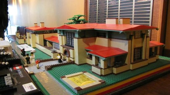 Dana-Thomas House : This lego model of the house was on display in the visiter center