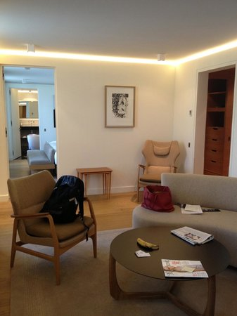Hotel Marignan Champs-Elysées : lounge through to bedroom and hallway