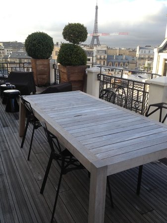 Hotel Marignan Champs Elysees: terrace and views of paris