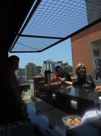Puriwasi Hostel: desayunando