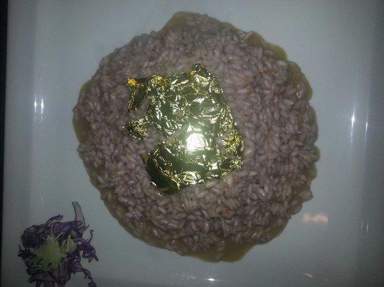 Renee Centamore: Risotto con spumante e lamponi con foglia d oro