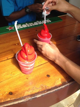 Twin Brothers Restaurant : A+ daiquiris