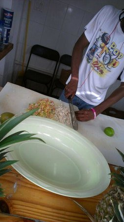 Twin Brothers Restaurant : Fresh Conch Salad