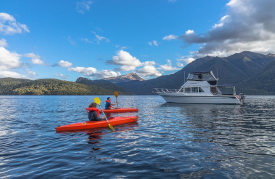 Manapouri Lake Cruises