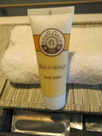 Pullman Phuket Arcadia Naithon Beach: In room toiletries