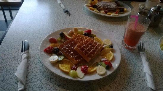 Warsaw Diner: My yummy breakfast!