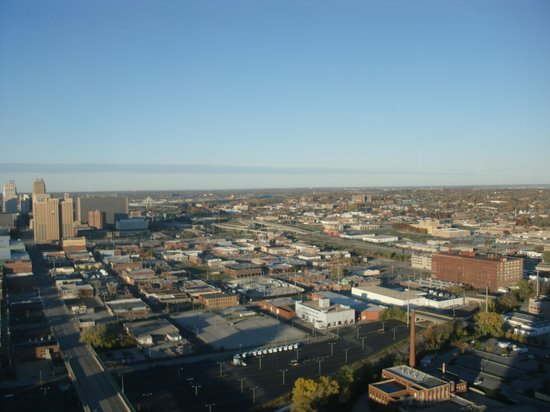 Sheraton Kansas City Hotel at Crown Center: View of downtown from 35th floor hospitality suite window