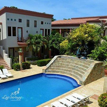 Las Sirenas Hotel & Condos: Las Sirenas Pool
