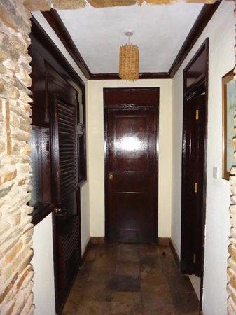 Sarova Shaba Game Lodge: Hall
