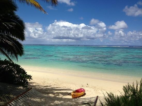 Royale Takitumu: Lagoon view great snorkelling