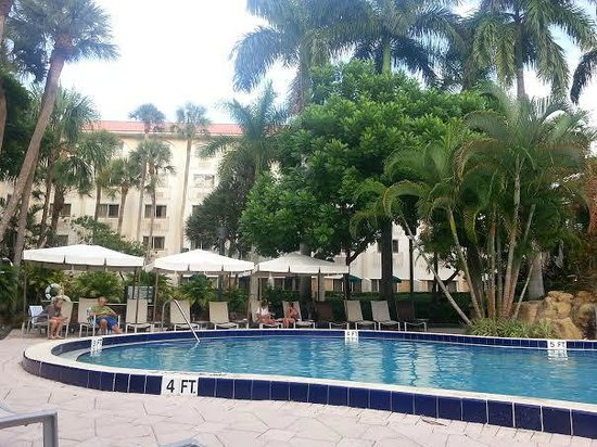 Renaissance Boca Raton Hotel: Superb pool area