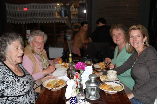 Chatka przy Jatkach: shared a table with other travelers