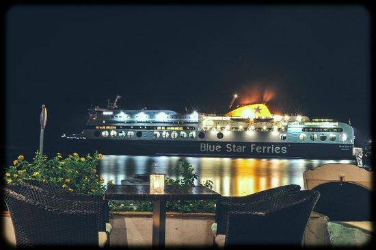 Chris Hotel: Café's view