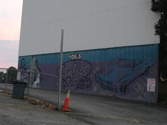 Starlight Six Drive-In: mural on one of the inside walls
