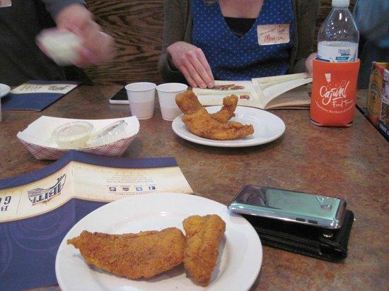 Cajun Food Tours: Fish at Hooked Up