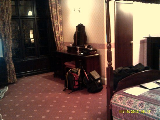 Glen Rothay Hotel: View into Dora's room