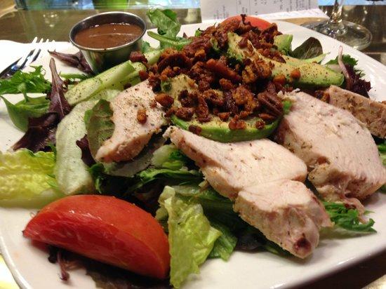 Le Grand Comptoir: apple salad w/avocado