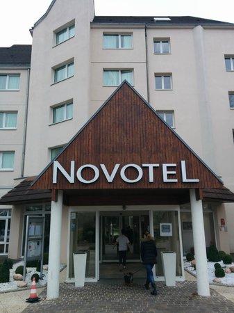 Novotel Beaune : Outside