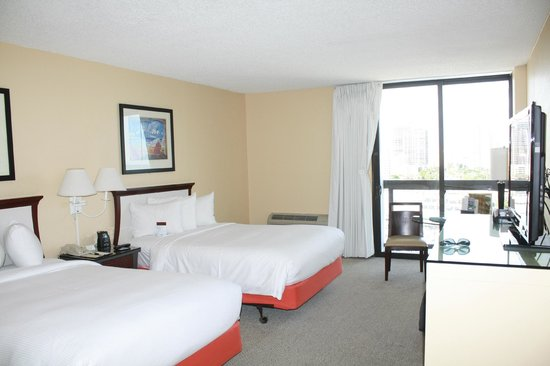 Bahia Mar Fort Lauderdale Beach - a Doubletree by Hilton Hotel: Our $400 room