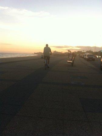 BEST WESTERN Pedro Figari: por-do-sol em frente ao hotel