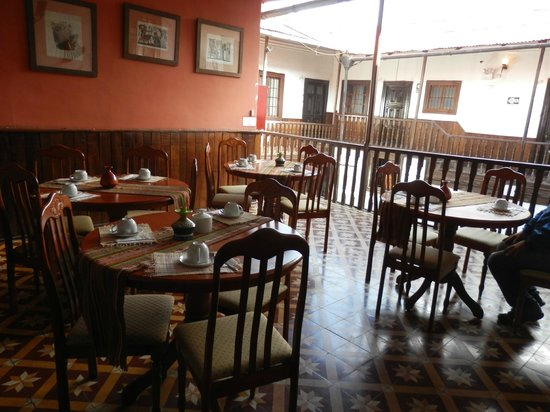 Hotel Casa Blanca: Covered open air dining area