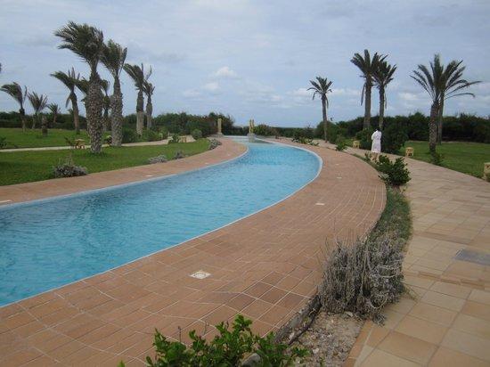 Hasdrubal Prestige Thalassa & Spa : Trecho da piscina.