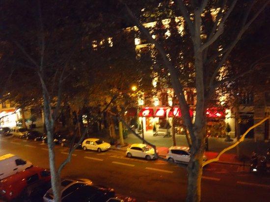 Hotel Victoria Chatelet: Vista do quarto dez