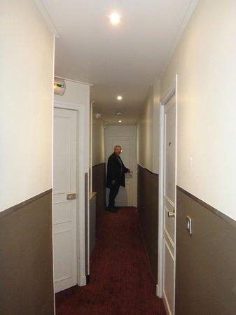 Hotel Victoria Chatelet: Corredor do Hotel
