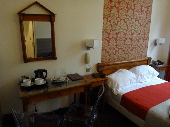 Hotel Victoria Chatelet: Vista do Quarto