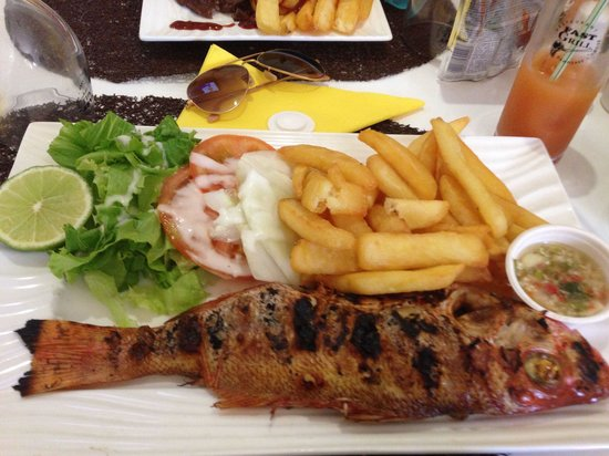 Fast Grill : Poisson frites salade