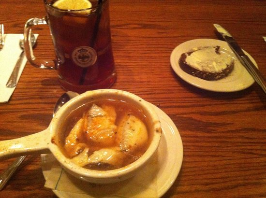 Metzgers German Restaurant: French Onion Soup
