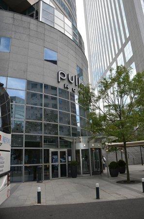 Pullman Paris La Défense : Front view