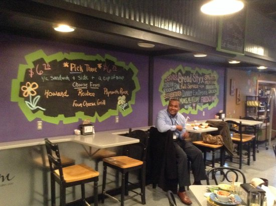 Breadstyx Bistro : seating area