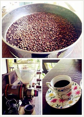 Old Five Guesthouse : Lao Wu's home make organic coffee