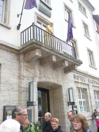 Hotel Elephant: Hotel Entrance Balcony