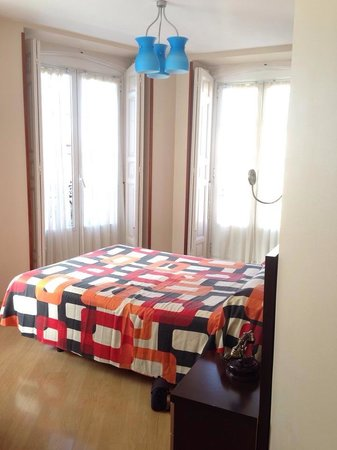 Hotel Plaza Mayor: Room