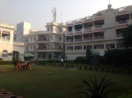 Hotel Surya, Kaiser Palace: courtyard