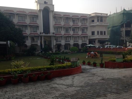 Hotel Surya, Kaiser Palace: courtyard 2