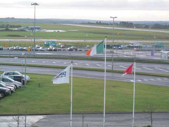 Cork Airport Hotel: View of runway
