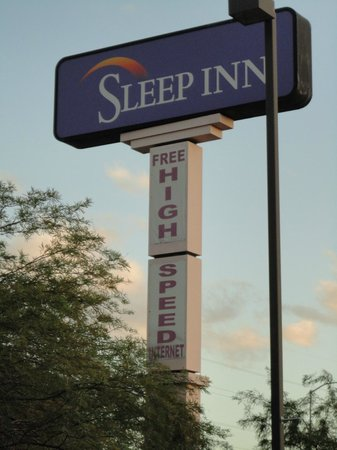 Sleep Inn North: Defintely Not High Speed Internet