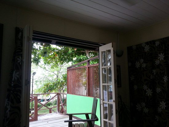 Va-i-Moana Seaside Lodge: Our room! The new renovaited Fale with Self contained facilities! :)