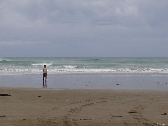 Ninety Mile Beach: The strip