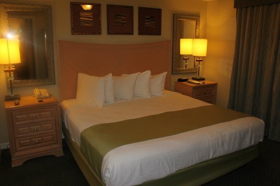 Bluegreen Fountains Resort: bedroom
