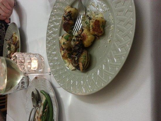 Two Naughty Chooks: gnocchi with gorgonzola