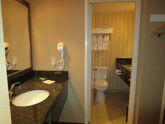Best Western Plus Canyonlands Inn: bathroom